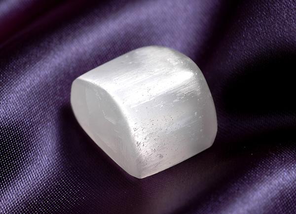 画像1: セレナイト守護石 無料ポシェット付き K0040 (1)