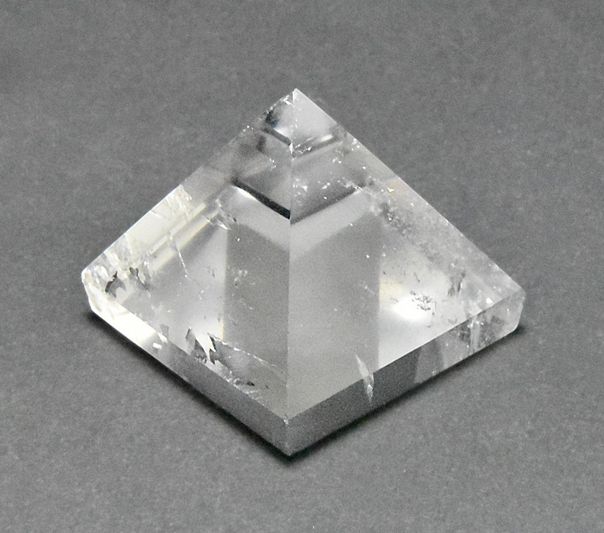 レムリアン水晶ピラミッド
